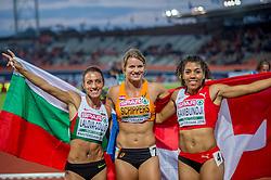 08-07-2016 NED: European Athletics Championships day 3, Amsterdam<br /> Dafne Schippers heeft in Amsterdam haar Europese titel op de 100 meter geprolongeerd. De 24-jarige Utrechtse was voor een uitverkocht Olympisch Stadion in de finale veel te sterk voor de concurrentie. Schippers zegevierde in 10,90 seconden. Derde werd de Zwitserse Mujinga Kambundji (R) en tweede de Bulgaarse Ivet Yalova Collio (L)