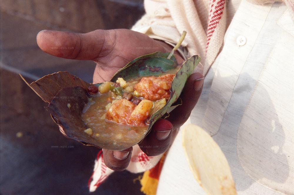 Kachori in a leaf plate, Varanasi, January 2004