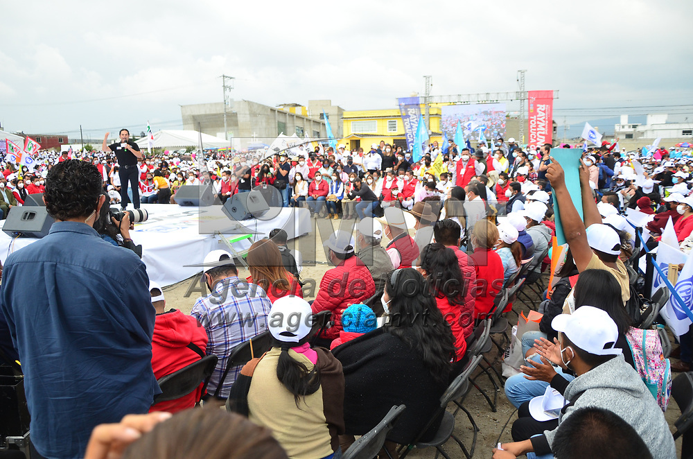 """Toluca, México.- Cierre de Campaña de Raymundo Martínez Carbajal, candidato a la presidencia municipal de Toluca por la Alianza """"Va por México"""" PRI PAN PRD. Agencia MVT / Juan Hernández."""