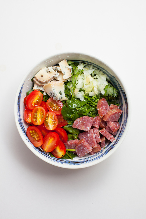 Blue Cheese, Spinach & Salami salad from the fridge (m€) - COVID-19 Social Distancing