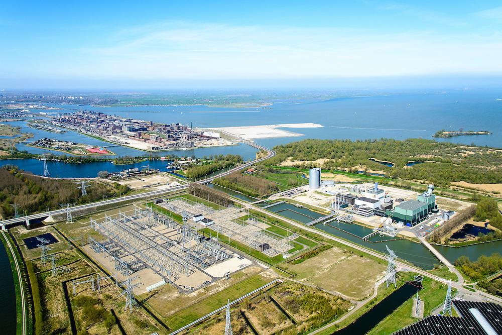 Nederland, Noord-Holland, Diemen, 20-04-2015;  PEN-eiland (Diemer Vijfhoek) met Centrale Diemen, STEG-warmtekrachtcentrale van Nuon. Naast de centrale de warmtebuffer voor opslag van stadswarmte. IJburg met Centrum-eiland in de achtergrond.<br /> Nuon power plant near Amsterdam.<br /> luchtfoto (toeslag op standard tarieven);<br /> aerial photo (additional fee required);<br /> copyright foto/photo Siebe Swart