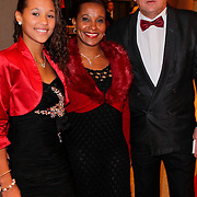 NLD/Den Haag/20111212 - NOC / NSF Sportgala 2011, Nellie Cooman, partner Ronald Rosier en dochter Ronell