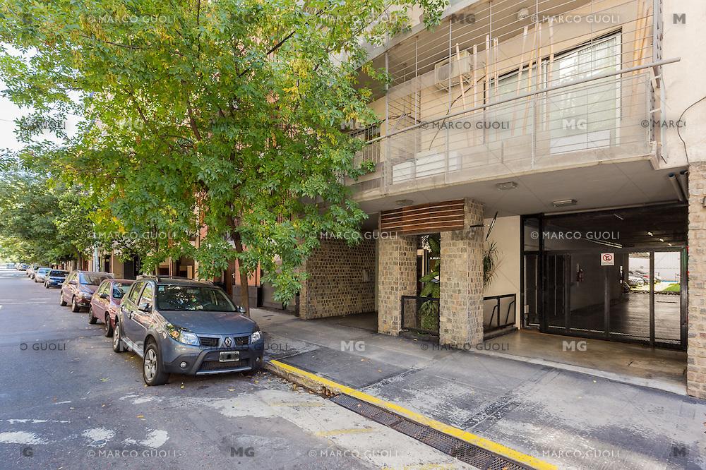 DEPARTAMENTO AMUEBLADO DE UN DORMITORIO EN EL BARRIO DE VILLA CRESPO, CIUDAD AUTONOMA DE BUENOS AIRES, ARGENTINA (PHOTO BY © MARCO GUOLI - ALL RIGHTS RESERVED)