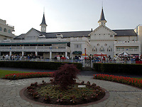 Scenes from Churchill Downs