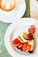 Torta Primavera na Delikatesse Viktoria. Joinville, Santa Catarina, Brasil. / Fruit pie served at Delikatessen Viktoria. Joinville, Santa Catarina, Brazil.