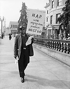 Ackroyd 11972-4.  NAACP picketing City Hall. September 30, 1963