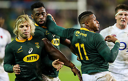Faf de Klerk with Siya Kolisi (captain) of South Africa and Aphiwe Dyantyi of South Africa- Mandatory by-line: Steve Haag/JMP - 23/06/2018 - RUGBY - DHL Newlands Stadium - Cape Town, South Africa - South Africa v England 3rd Test Match, South Africa Tour