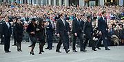 Op de Dam in Amsterdam is met twee minuten stilte om klokslag 20.00 uur de oorlogsslachtoffers herdacht die sinds het begin van de Tweede Wereldoorlog zijn omgekomen.<br /> <br /> On the Dam in Amsterdam are war victims remembered who died since the beginning of World War II  with two minutes of silence at the stroke of 20:00 <br /> <br /> OP de foto / On the photo: Koning Willem Alexander en Koningin Maxima met MP Mark Rutte //// King Willem Alexander and Queen Maxima with the MP Mark Rutte