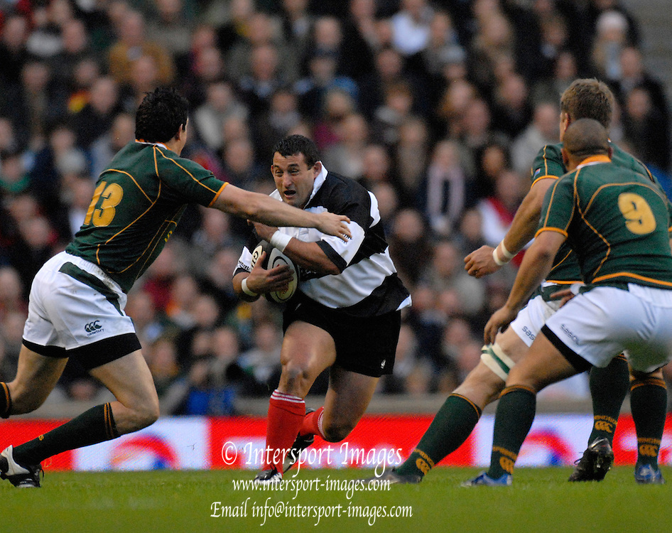 Twickenham, GREAT BRITAIN, Federico PUCCIARIELLO, going for the gap, during the, Gartmore Challenge -  Barbarians vs South Africa, rugby match at Twickenham Stadium, ENGLAND.  [Mandatory Credit Peter Spurrier/Intersport Images].