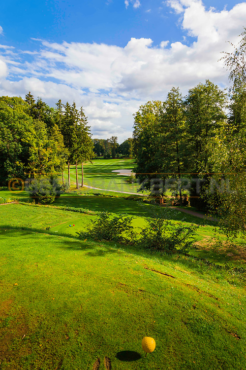 18-09-2015: Golf & Spa Resort Konopiste in Benesov, Tsjechië.<br /> Foto: Prachtige bosholes