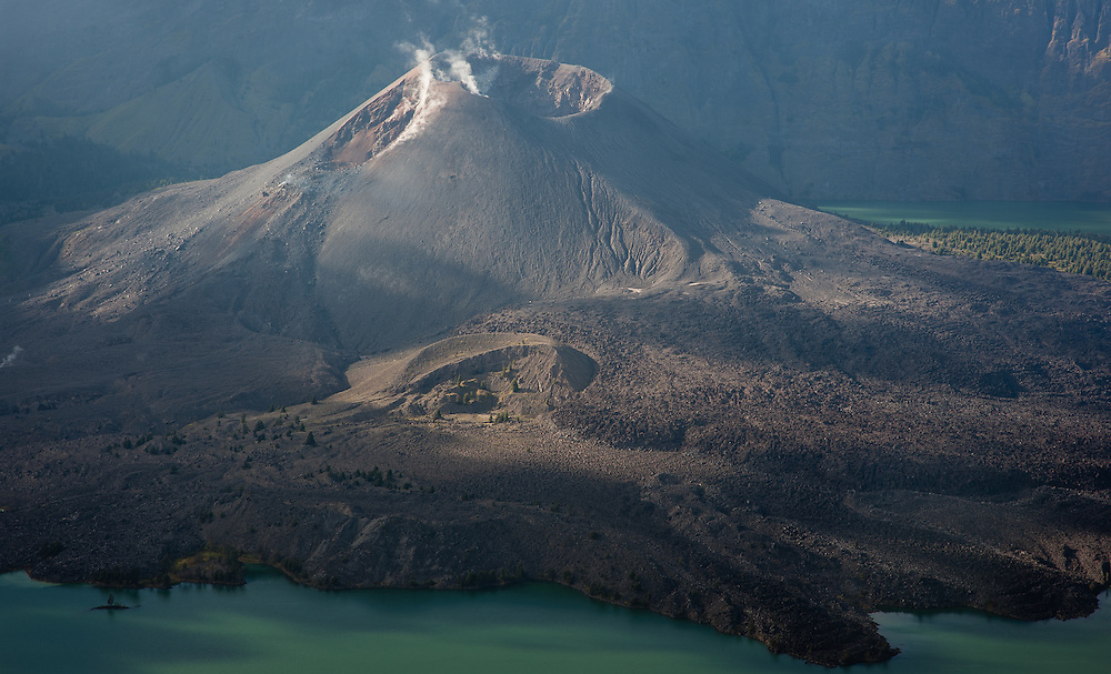 Mount Rinjani baby crater in Lombok (Indonesia)