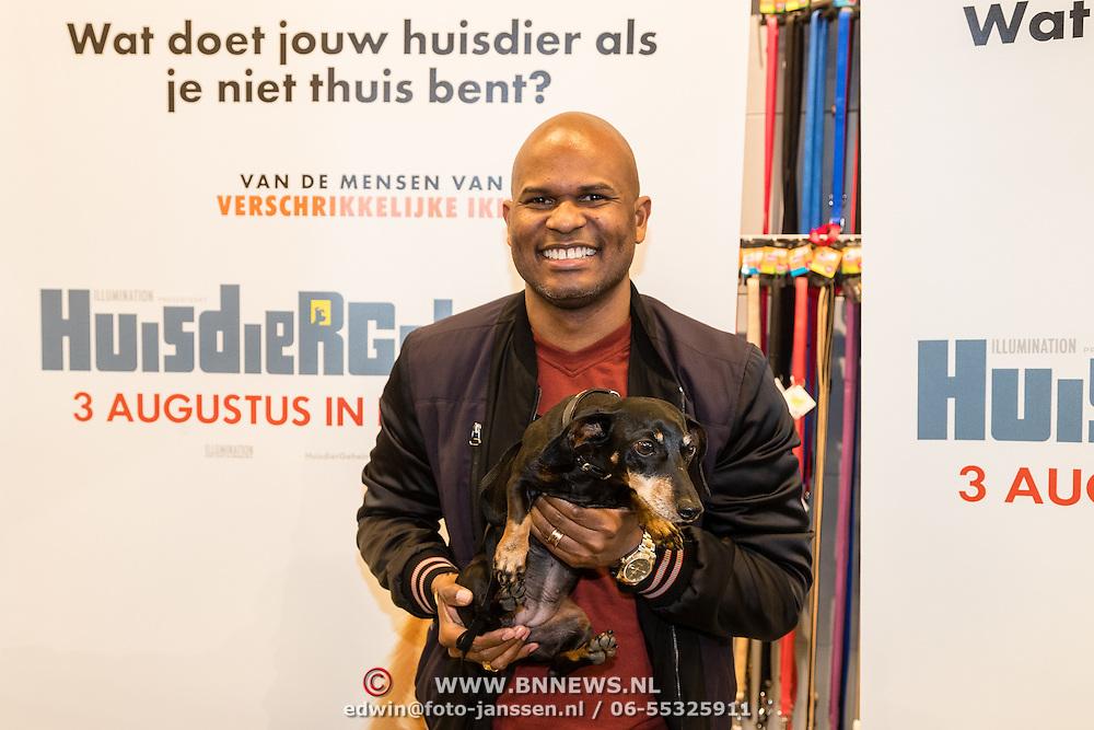 NLD/Amsterdam/20160603 - Onthulling stemmencast Huisdiergeheimen, Roue Verveer