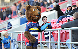 Brizzley poses with a fan - Mandatory by-line: Paul Knight/JMP - 22/10/2017 - RUGBY - Ashton Gate Stadium - Bristol, England - Bristol Rugby v Doncaster Knights - B&I Cup