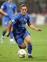 """Mauro German Camoranesi (Italy)<br /> Milano 8/9/2007 Stadio """"Giuseppe Meazza""""<br /> Qualificazioni Campionato Europeo 2008<br /> Italia-Francia (0-0) /Italy-France (0-0)<br /> Photo Luca Pagliaricci INSIDE"""
