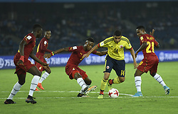 NEW DELHI, Oct. 7, 2017  Yadir Meneses (2nd R) of Colombia breaks through during the Group A match between Colombia and Ghana at FIFA U-17 World Cup soccer tournament at Jawaharlal Nehru Stadium in New Delhi, India on Oct. 6, 2017. Ghana won 1-0.  wdz) (Credit Image: © Partha Sarkar/Xinhua via ZUMA Wire)
