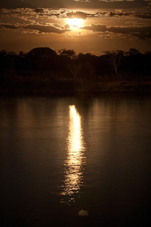 Juvenilia_MG, Brasil.<br /> <br /> Rio Carinhanha em junvenilia, Minas Gerais.<br /> <br /> Carinhanha river in Juvenilia, Minas Gerais.<br /> <br /> Foto: LEO DRUMOND / NITRO