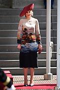 Officieel bezoek president Griekenland aan Nederland. Koning Willem-Alexander en Koningin Máxima de president en zijn echtgenote met een welkomstceremonie bij Paleis Noordeinde in Den Haag.<br /> <br /> President official visit to Greece Netherlands. King Willem-Alexander and Queen Máxima of the President and his wife with a welcome ceremony at Noordeinde Palace in The Hague.<br /> <br /> Op de foto / On the photo:  Koningin Maxima / Queen Maxima