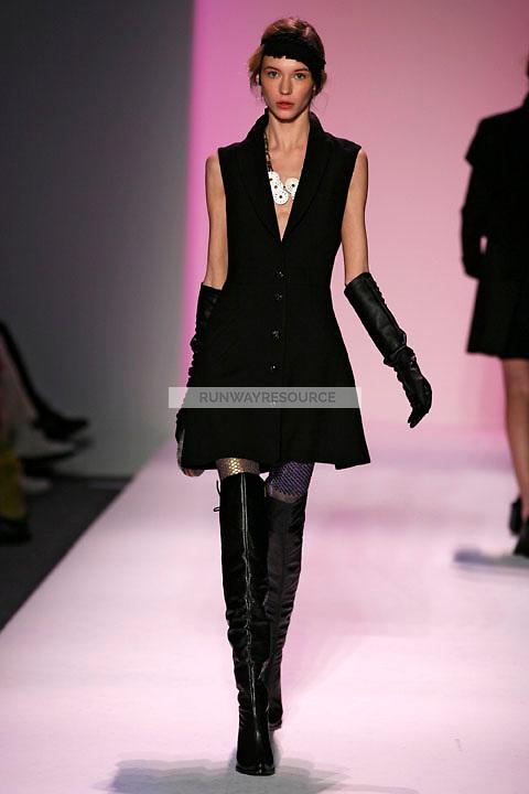 Inna Pilipenko walks the runway wearing Alexandre Herchcovitch Fall 2009 collection