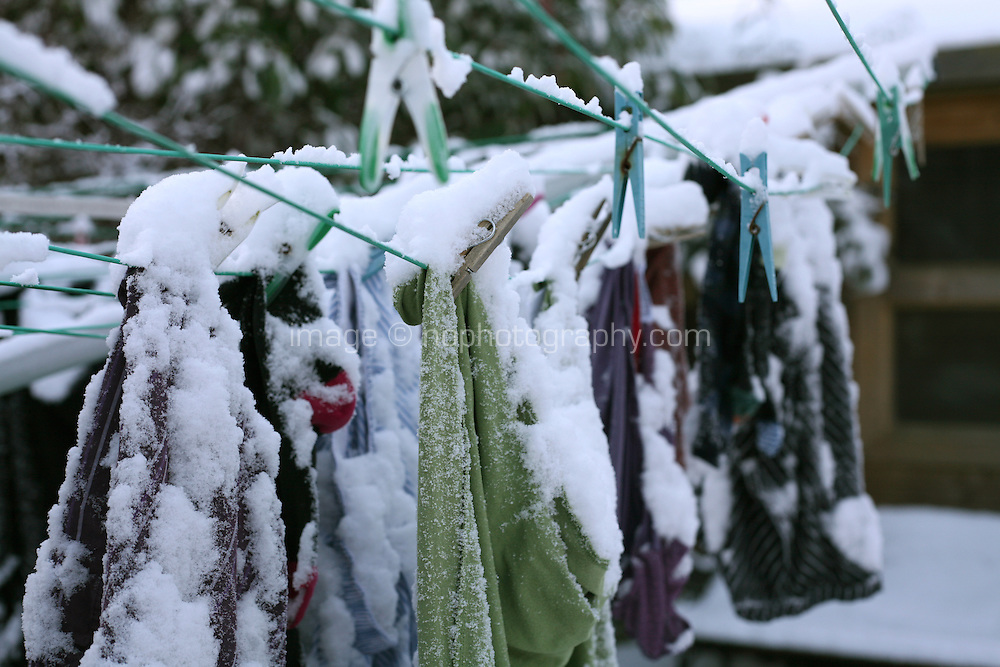 snow on clothes line in Dublin Ireland November 2010