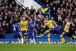 Kevin van Veen of Scunthorpe United shoots at goal - Mandatory byline: Robbie Stephenson/JMP - 10/01/2016 - FOOTBALL - Stamford Bridge - London, England - Chelsea v Scunthrope United - FA Cup Third Round