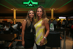 Renata Azevedo e Rafaela Faccioni Correa durante o Happy Hour Heineken, no Viva Open Mall, em Porto Alegre. FOTO: Jefferson Bernardes/ Agência Preview