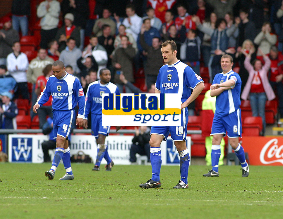 Photo: Dave Linney.<br />Crewe Alexander v Cardiff City. Coca Cola Championship. 17/04/2006.Cardiff Players look on dejected after Crewe had made it 1-0
