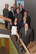 Remise d'une plaque honorifique commérant le Prix d'excellence en architecture et développement durable pour l'édifice du Groupe Stageline -  Groupe Stageline / L'?Assomption / Canada / 2009-10-28, © Photo Marc Gibert/ adecom.ca