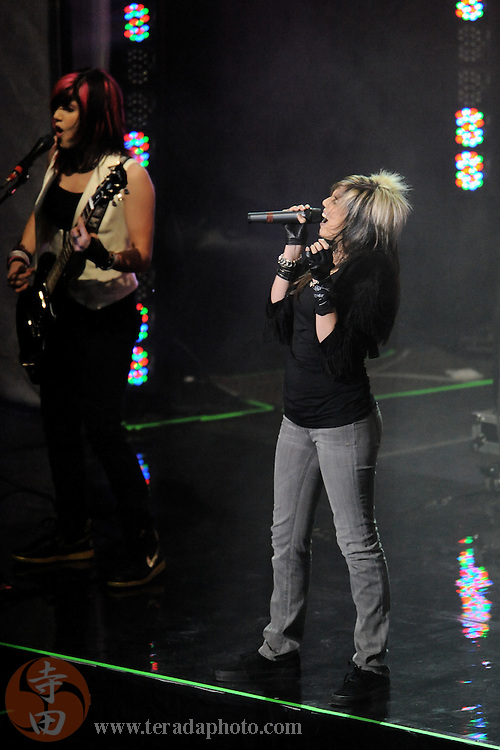 Sep 21, 2008; San Jose, CA, USA; K.S.M. band members Shelby Cobra (right) and Katie Cecil (left) perform during the 2008 Tour of Gymnastics Superstars post-Beijing Olympic tour at HP Pavilion. Mandatory Credit: Kyle Terada-Terada Photo