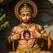2016 10 14 Rishikesh Uttarakhand Indien<br /> Gudabild staty Hanuman<br /> <br /> ----<br /> FOTO : JOACHIM NYWALL KOD 0708840825_1<br /> COPYRIGHT JOACHIM NYWALL<br /> <br /> ***BETALBILD***<br /> Redovisas till <br /> NYWALL MEDIA AB<br /> Strandgatan 30<br /> 461 31 Trollhättan<br /> Prislista enl BLF , om inget annat avtalas.