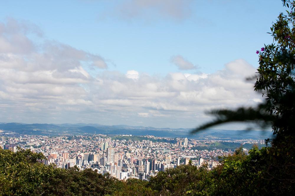 Belo Horizonte_MG, Brasil...Vista de Belo Horizonte do Parque das Mangabeiras...The view of Belo Horizonte from Mangabeiras Park...Foto: NIDIN SANCHES / NITRO