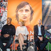 NLD/Amsterdam/20161007 - Presentatie biografie over het leven van oud voetballer Johan Cruijff, dochter Susila, Frank Rijkaard, vrouw Danny Cruijff - Coster