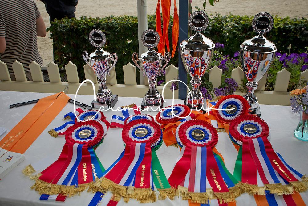 Prizes<br /> KWPN Paardendagen 2011 - Ermelo 2011<br /> © Dirk Caremans