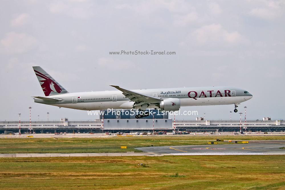 A7-BAU Qatar Airways Boeing 777-3DZ(ER) at Malpensa (MXP / LIMC), Milan, Italy