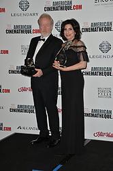 Ridley Scott & Sue Kroll bei der 30th Annual American Cinematheque Awards Gala im Press Room in Beverly Hills / 141016