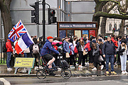 Engeland, Londen, 8-4-2019 Voor het house of Parliament, het britse regeringscentrum en parlement in de city of Westminster, demonstreren tegenstanders van de Brexit. Zij hopen ook dat er een nieuw referendum komt Foto: Flip Franssen