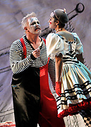 11/09/2009 - GdeCardenas/El Nuevo Herald - Jay Hunter Morris and Kelly Kaduce in the Florida Grand Opera production of Paglacci at Adriane Arsht Center for the Performing Arts.
