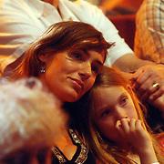 NLD/Hilversum/20070518 - Finale SBS6 So you wannabe a Popstar 2007, Kathleen Vael en dochter Naomi op de tribune