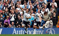 18.09.2010, White Hart Lane, London, ENG, PL, Tottenham Hotspur vs Wolverhampton Wanderers, im Bild Tottenham's Rafael van der Vaart celebrates with Tottenham's Gareth Bale. EXPA Pictures © 2010, PhotoCredit: EXPA/ IPS/ Kieran Galvin +++++ ATTENTION - OUT OF ENGLAND/UK +++++ / SPORTIDA PHOTO AGENCY