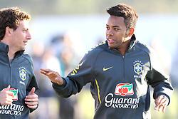 Jogadores da Seleção Brasileira de Futebol, Elano(E), Robinho durante treino no C T do Corinthians, em São Paulo. FOTO: Jefferson Bernardes/Preview.com