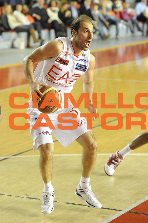 DESCRIZIONE : Roma Lega Basket A 2011-12  Acea Virtus Roma EA7 Emporio Armani Milano<br /> GIOCATORE : Jacopo Giachetti<br /> CATEGORIA : palleggio<br /> SQUADRA : EA7 Emporio Armani Milano<br /> EVENTO : Campionato Lega A 2011-2012 <br /> GARA : Acea Virtus Roma EA7 Emporio Armani Milano<br /> DATA : 25/04/2012<br /> SPORT : Pallacanestro  <br /> AUTORE : Agenzia Ciamillo-Castoria/ GiulioCiamillo<br /> Galleria : Lega Basket A 2011-2012  <br /> Fotonotizia : Roma Lega Basket A 2011-12 Acea Virtus Roma EA7 Emporio Armani Milano <br /> Predefinita :