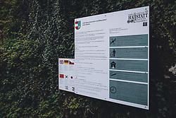 THEMENBILD - Hinweisschild mit Verhaltensregeln während der Corona Pandemie, aufgenommen am 17. April 2019 in Hallstatt, Österreich // Information sign with rules of conduct during the Corona Pandemic in Hallstatt, Austria on 2020/04/17. EXPA Pictures © 2020, PhotoCredit: EXPA/ JFK