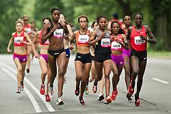 NYRR Mini 10K road race (40th year); lead runners