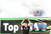 Marco Borsato trapt in e kuip in Rotterdam de Radio10 Top 4000.<br /> <br /> op de foto:  Marco Borsato