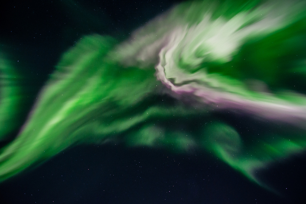 An aurora with the coronal shape moving very fast. September 27, 2017