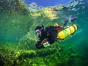 Sidemout diver exploring the Pumphouse dive site Dutch Springs, Scuba Diving Resort  in Pennsylvania