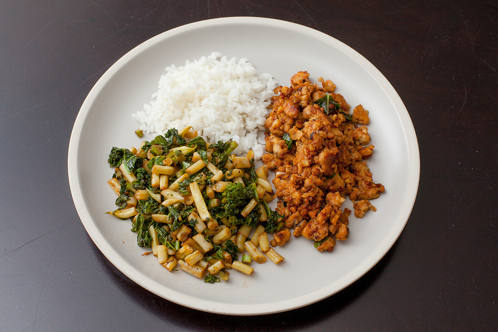 Thai Tempeh with stir fried veggies from the fridge (m€) - COVID-19 Social Distancing in RI