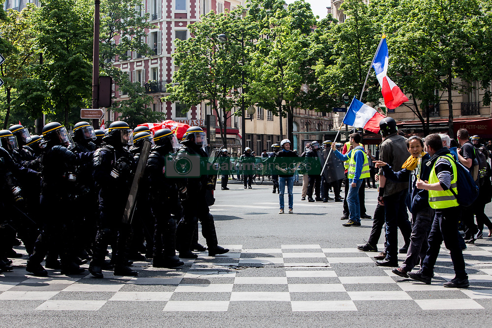 May 1, 2019 - Paris, Ile-de-France (region, France - Demonstration of May 1 in Paris grouping unions and yellow jackets, clashes between black-blocks and law enforcement were held regularly on the course. (Credit Image: © Sadak Souici/Le Pictorium Agency via ZUMA Press)