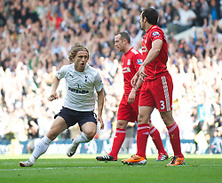 18.09.2011, White Hart Lane, London, ENG, PL, Tottenham Hotspur FC vs Liverpool FC, im Bild Tottenham Hotspur's Luka Modric celebrates scoring the first goal against Liverpool during the Premiership match at White Hart Lane. EXPA Pictures © 2011, PhotoCredit: EXPA/ Propaganda Photo/ David Rawcliff +++++ ATTENTION - OUT OF ENGLAND/GBR+++++