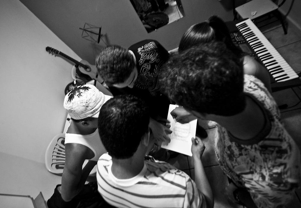 Belo Horizonte_MG, Brasil...Show da banda Estandarte na Minueto, escola e estudio musical...The show of the band Estandarte in Minueto, its is a school and musical studio...Foto: JOAO MARCOS ROSA / NITRO