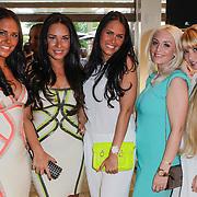 NLD/Amsterdam/20120601 - Opening webshop Sael Shop, Danieelle en zus Maybritt Slof, Sanne Hoogkramer, Kirsten Kerkhof en Daisy Vorm